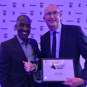 CHRIS HANDS OUT OXFORDSHIRE GRASSROOTS AWARDS